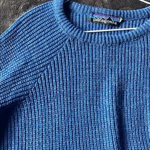 Vintage Patagonia large blue knit sweater